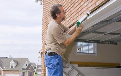 Garage Door Maintenance Tips For Homeowners