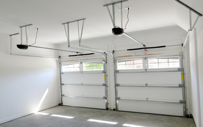 3 Easy Tips To Deal With A Stuck Overhead Door